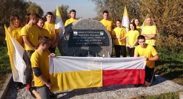 Dzień Papieski w ZSCKR w Zduńskiej Dąbrowie