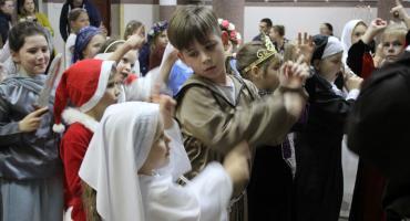 Bal Świętych w łowickiej Pijarskiej (ZDJĘCIA, VIDEO)