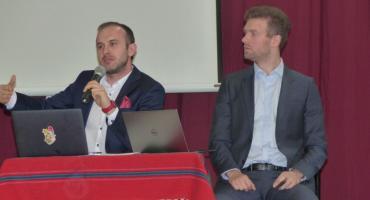 I LO: Dawid Adach i Michał Szymański o wykształceniu, firmie i pierwszym milionie