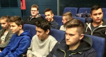 Uczniowie ZSP nr 1 na zajęciach w Łowickim Ośrodku Kultury