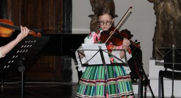 Koncert kolęd wychowanków Centrum Edukacji Muzycznej