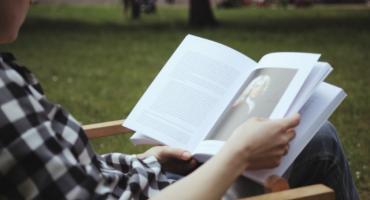 """""""Przyłapani na czytaniu"""" – X edycja konkursu fotograficznego."""