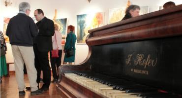 Wernisaż obrazów artystki malarki Marii Wollenberg-Kluza w Łowiczu (ZDJĘCIA, WIDEO)