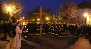 Droga krzyżowa ulicami Łowicza (ZDJĘCIA, VIDEO)