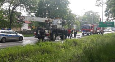 Pożar żurawia samojezdnego na drodze krajowej nr 92 w Łowiczu