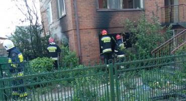 Pożar domu w Bąkowie Górnym. Jedna osoba poszkodowana