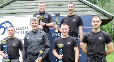 Funkcjonariusze z ZK w Łowiczu najlepsi w okręgowych eliminacjach marszobiegu o Puchar Dyrektora Okręgowego SW
