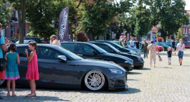 Zlot aut zmodyfikowanych na Nowym Rynku w Łowiczu (ZDJĘCIA)