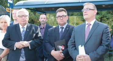 """Będą """"nowe"""" drogi. Miasto, powiat i gminy otrzymają ponad 20 mln zł na remonty dróg z FDS"""