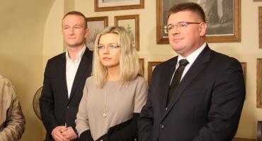 Łowicz: konferencja prasowa Małgorzaty Wassermann i Tomasza Rzymkowskiego
