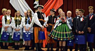Uczniowie z ZSP nr 2 CKZ w Łowiczu świętowali odzyskanie niepodległości po góralsku
