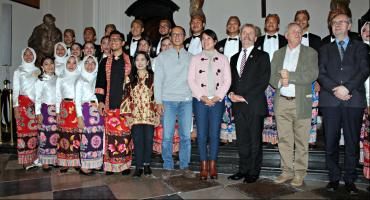 Owacje na stojąco. Niesamowity koncert chóru D'Voice Sekolah Vokasi IPB Bogor z Indonezji