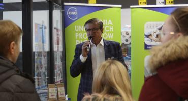 Zygmunt Chajzer promował w Łowiczu proszek do prania Mr. ZIGGI
