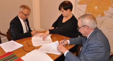 Podpisana umowa na modernizację łowickiej oczyszczalni ścieków.