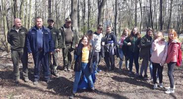 Wspólne sprzątanie lasów