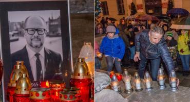 Oleśnickie światełko pamięci dla Pawła Adamowicza