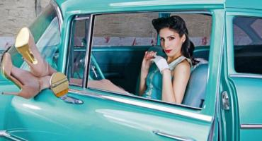 Konkurs Pin Up podczas zlotu amerykańskich aut