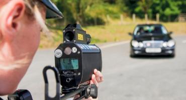 Uwaga - noga z gazu - policja kontroluje prędkość