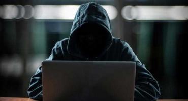 Robisz zakupy w sieci? Uważaj na internetowych oszustów