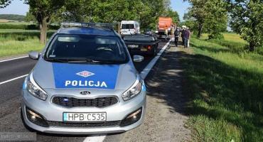 Kolizja trzech pojazdów na krajowej ósemce w Braszowicach. Na drogę wybiegło zwierzę