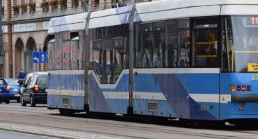 Zderzenie tramwaju z samochodem na Kozanowie