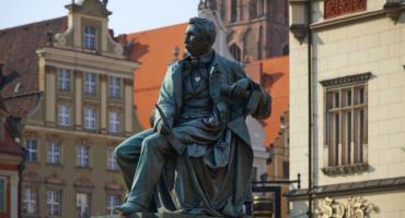 Ukradł pióro z pomnika Aleksandra Fredry