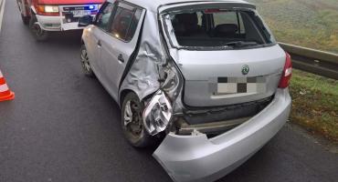 Trzy auta zderzyły się w Kostomłotach na zjeździe z A4
