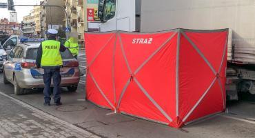 Tragedia w centrum Oleśnicy. Pieszy zginął pod kołami ciężarówki