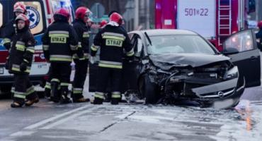 Nietrzeźwy kierowca Citroena zderzył się z policyjnym radiowozem