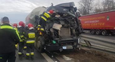 Zderzenie dwóch ciężarówek na autostradzie A4