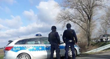 Policyjna obława w okolicach Wrocławia po napadzie na kantor