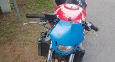 Jeździł na niezarejestrowanym motocyklu, mimo utraconych uprawnień i wypitego wcześniej alkoholu