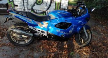 Policjanci odzyskali skradziony motocykl i przekazali właścicielowi