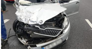 Wypadek na A4. Kierowca skody cudem uniknął śmierci