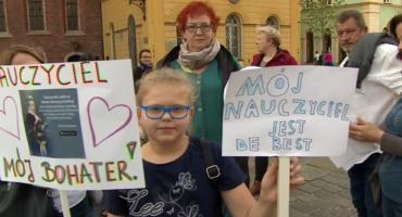 Nauczyciele o tydzień odroczyli rozpoczęcie strajku włoskiego. Jest wiele pytań nauczycieli i dyrektorów