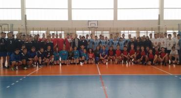 Gimnazjaliści z powiatu radomskiego zmierzyli się w turnieju piłki siatkowej