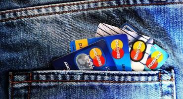 Limit płatności zbliżeniowych bez PIN do 100 zł? Dobry pomysł, czy większe zagrożenie?