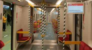 Już jest! Metro w świątecznej odsłonie [ZDJĘCIA]