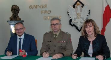 Setna szkoła objęta patronatem Wojskowej Akademii Technicznej