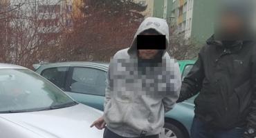 Kradli akumulatory z aut. Wpadli na gorącym uczynku