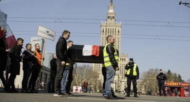 Rolnicy protestowali w Warszawie [ZDJĘCIA]