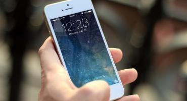Naprawa iPhone'a – czy to się opłaca?