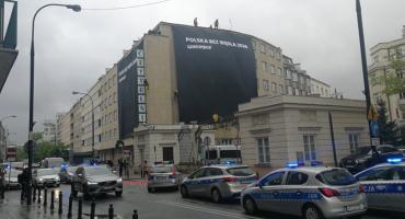 Protest Greenpeace przed siedzibami PO i PiS. Polska bez węgla 2030