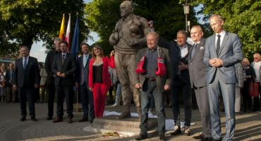 Odsłonięto pomnik legendarnego trenera Feliksa Stamma