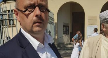 Mecenas Stefan Hambura zbierał podpisy w imieniu Bezpartyjnych i Samorządowców
