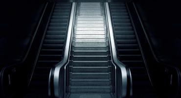 Będą musieli wymienić schody w metrze w Centrum