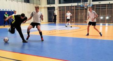 Turniej Halowej Piłki Nożnej o Puchar Wójta Gminy Celestynów na finiszu!