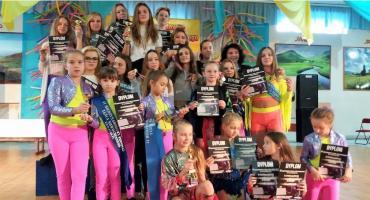 4 puchary i 10 medali tancerek GOK Wiązowna