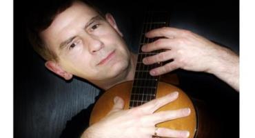 Koncert Kuby Michalskiego w skaryszewskiej bibliotece