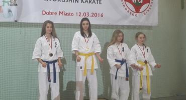Ciechanowianie ze złotymi medalami Mistrzostw Młodzików karate (zdjęcia)